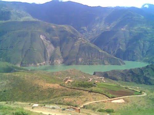 Conflicto entre minera y comuneros deja 2 muertos