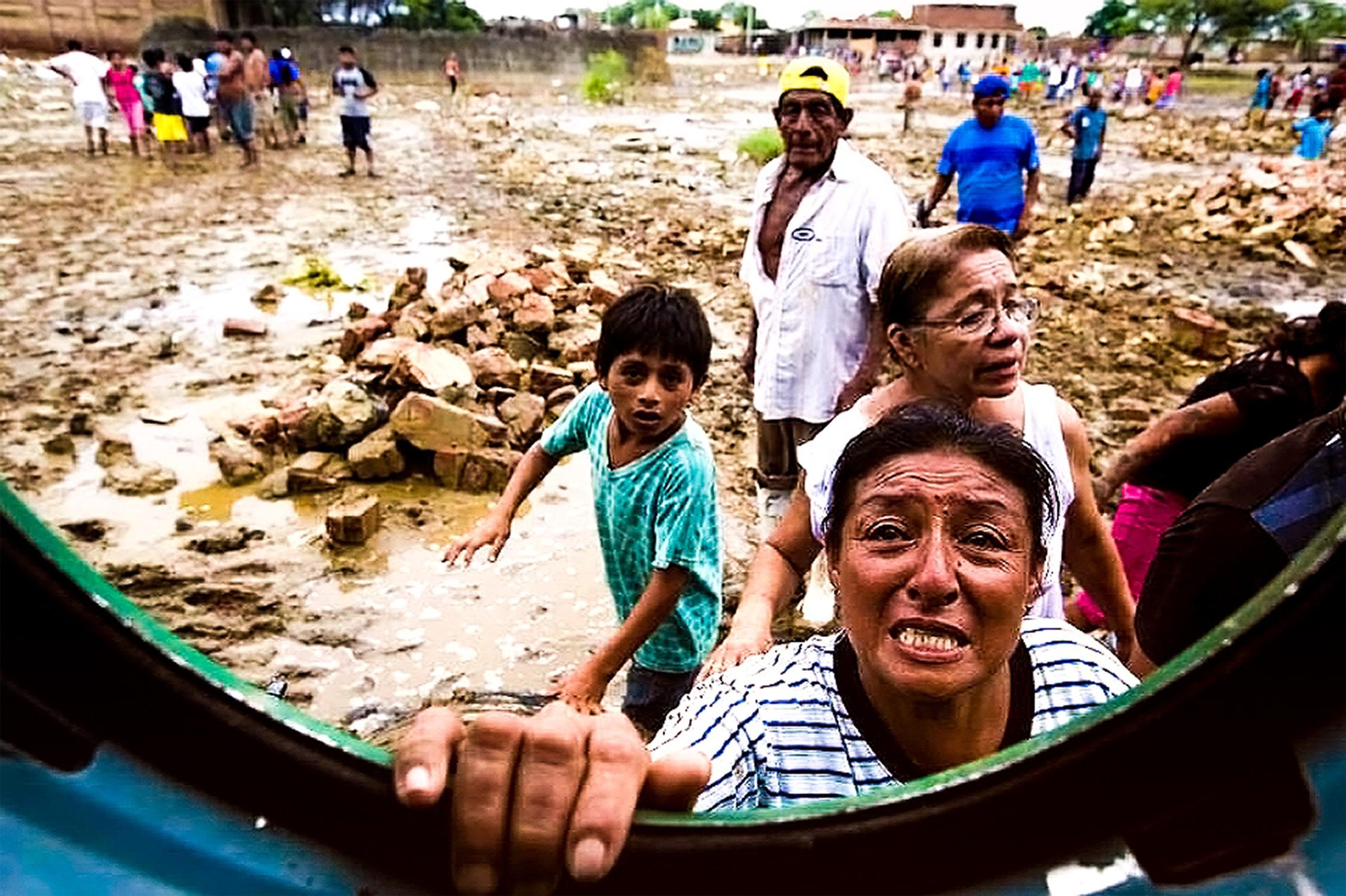 Mujeres y niños, los más expuestos a la violencia en tiempo de desastres