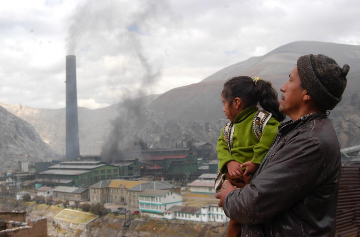 El gobierno peruano permite que las empresas puedan emitir más gases contaminantes al aire que antes