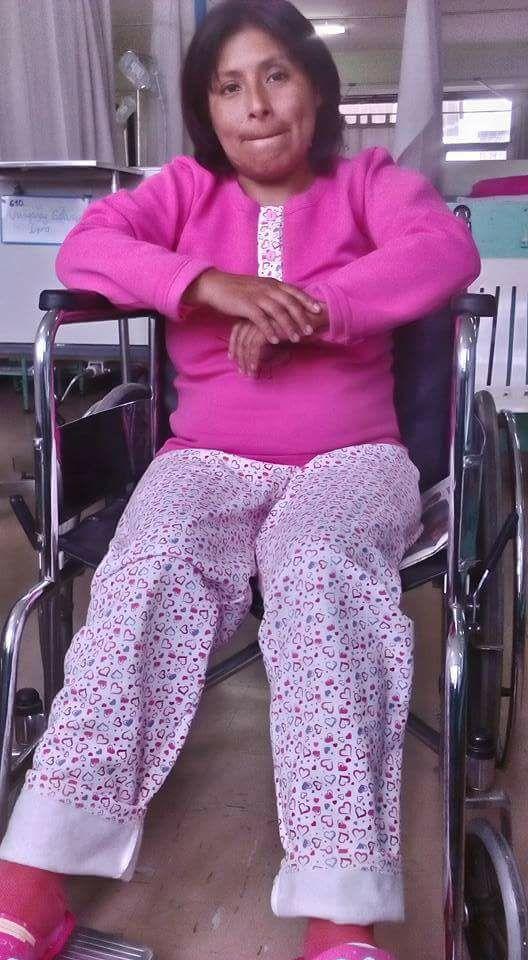 Profesora golpeada por policías lleva una semana sin poder caminar