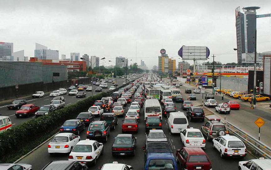 Timón cambiado: la Autoridad de Transporte Urbano de Lima y Callao frente a la descentralización