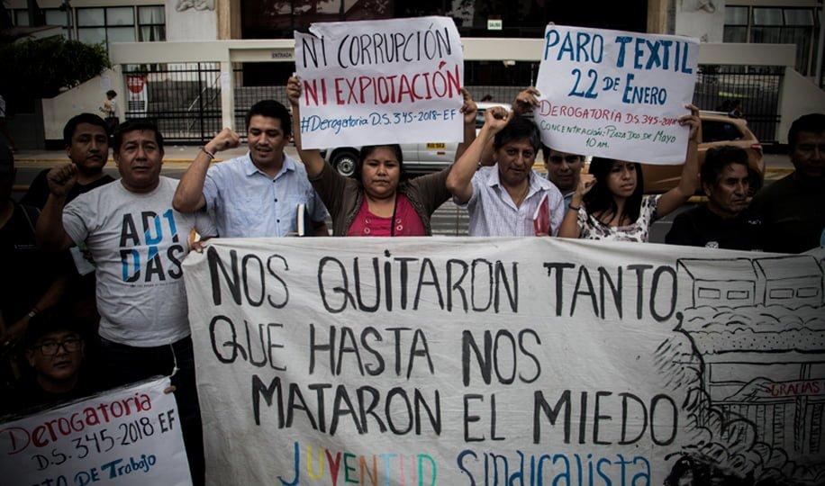 Trabajadores textiles convocan a paro nacional contra la reforma laboral