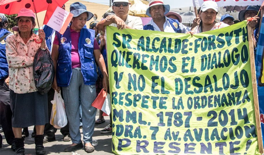 La Victoria: Ambulantes protestaron contra ordenanza que prohibe el comercio en las calles