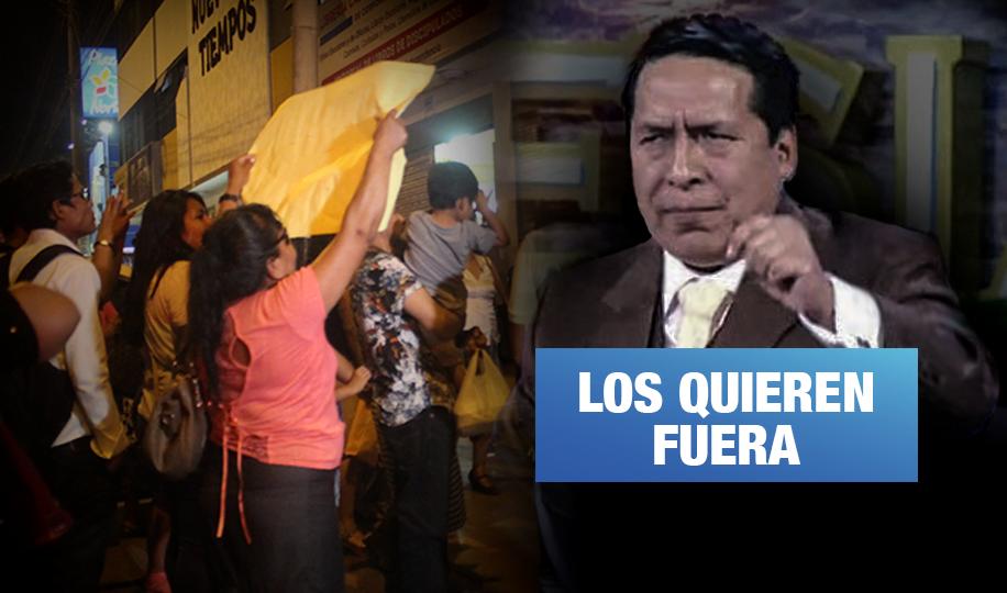 """Exfieles de El Aposento Alto exigen devolución de """"gigantes"""" y salida de la familia Santana"""