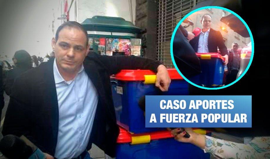 Mark Vito entrega 'contenedores' de documentos a pedido de la Fiscalía