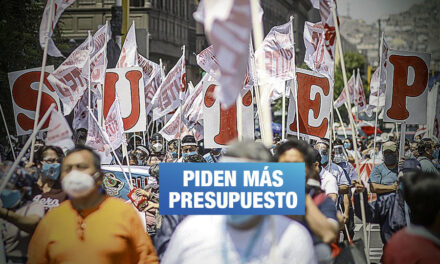 Profesores exigen pleno educativo en el Congreso y mejoras salariales